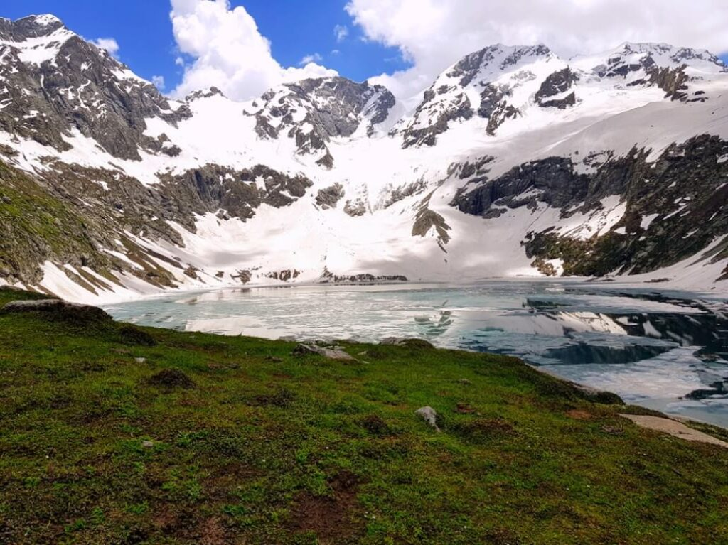 kumrat valley weather